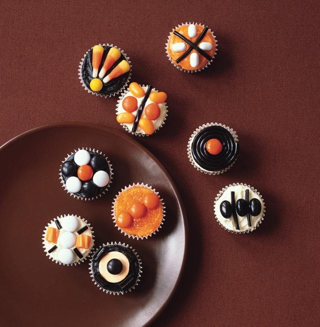 Elegant Halloween Cupcakes
