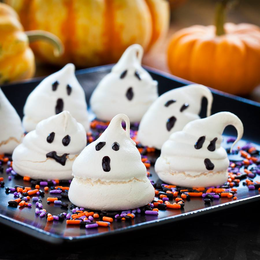 Halloween White Ghost Cupcakes
