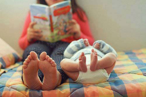 Baby-and-Mom-Reading-a-Book