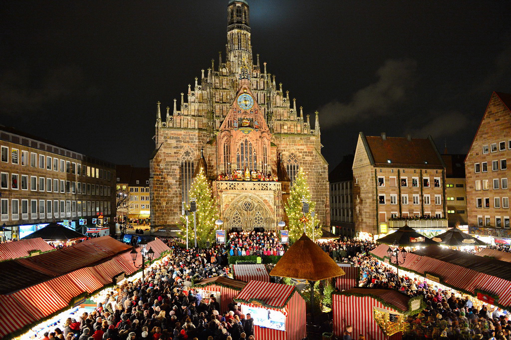 Christkindlesmarkt, Nuremberg, Germany by night
