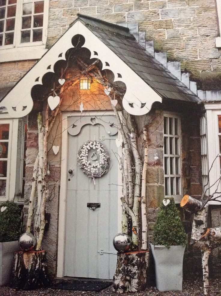 Christmas Front Door White Heart Decoration