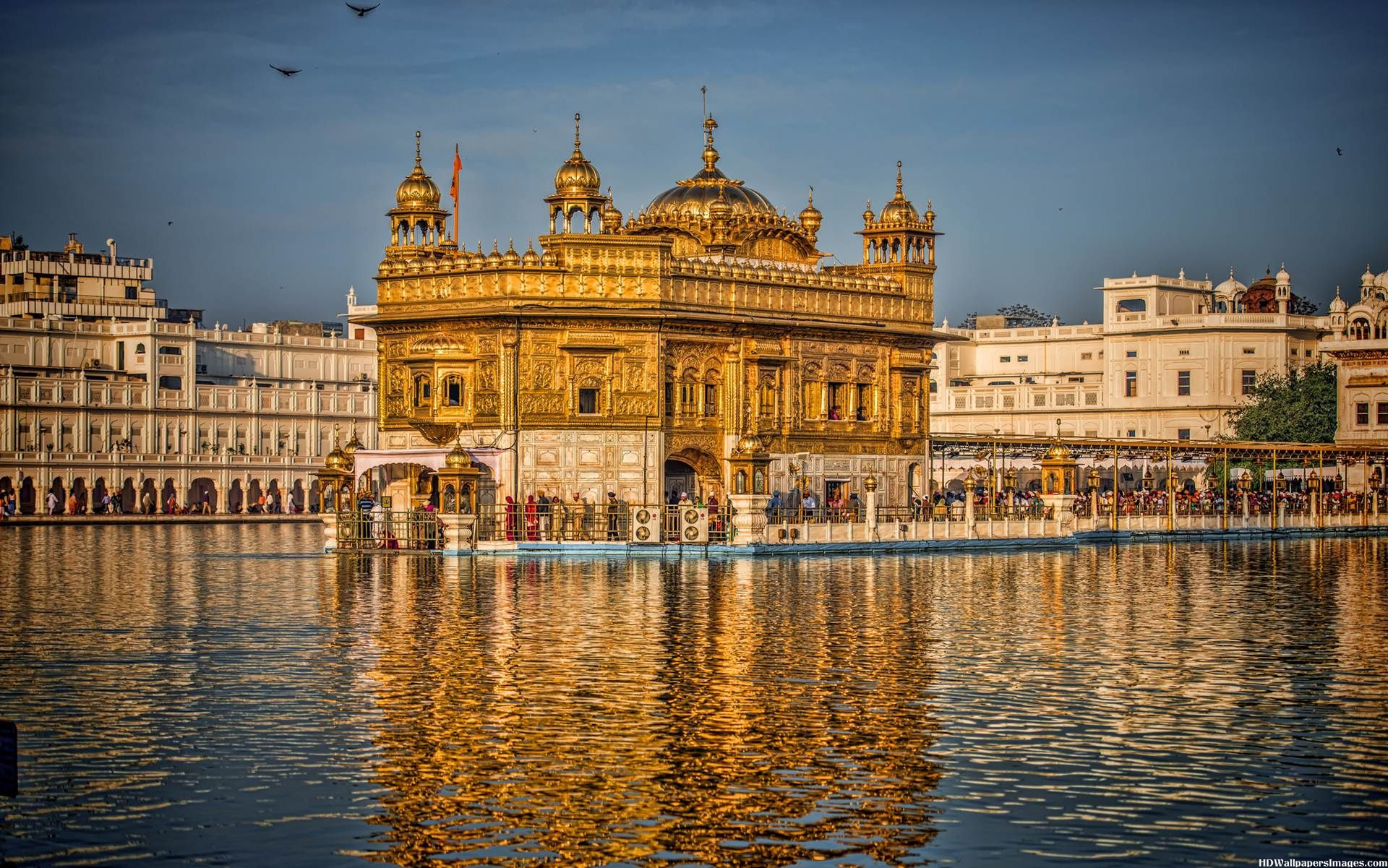 Golden-Temple-In-Amritsar-India