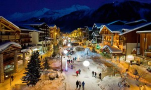 Val d'Isere center with people