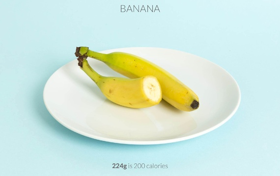 one and a half banana calories