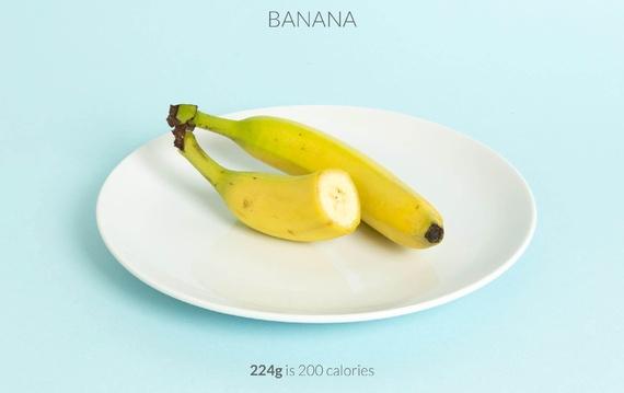 one and a half banana calories