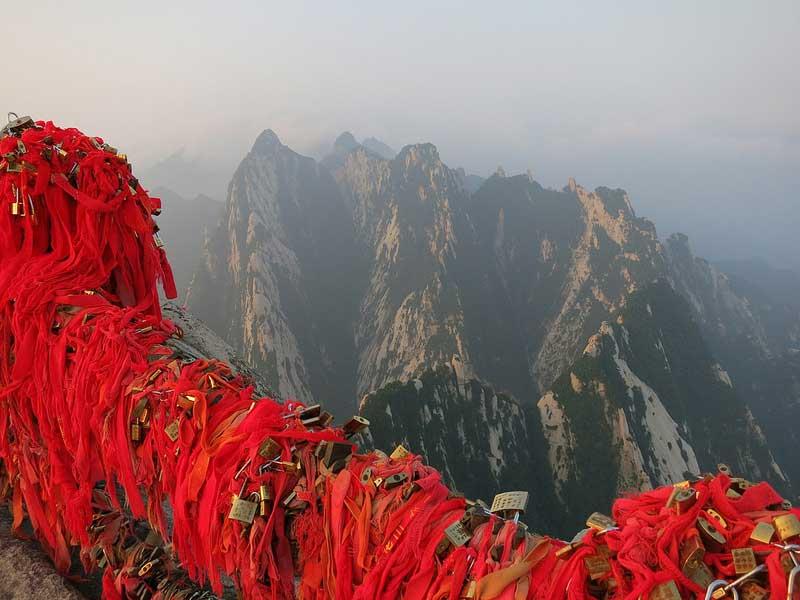 Huashan Mountain - the most dangerous hiking
