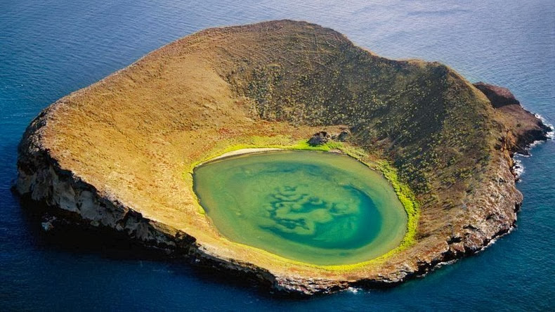 bainbridge rocks Galapagos Islands