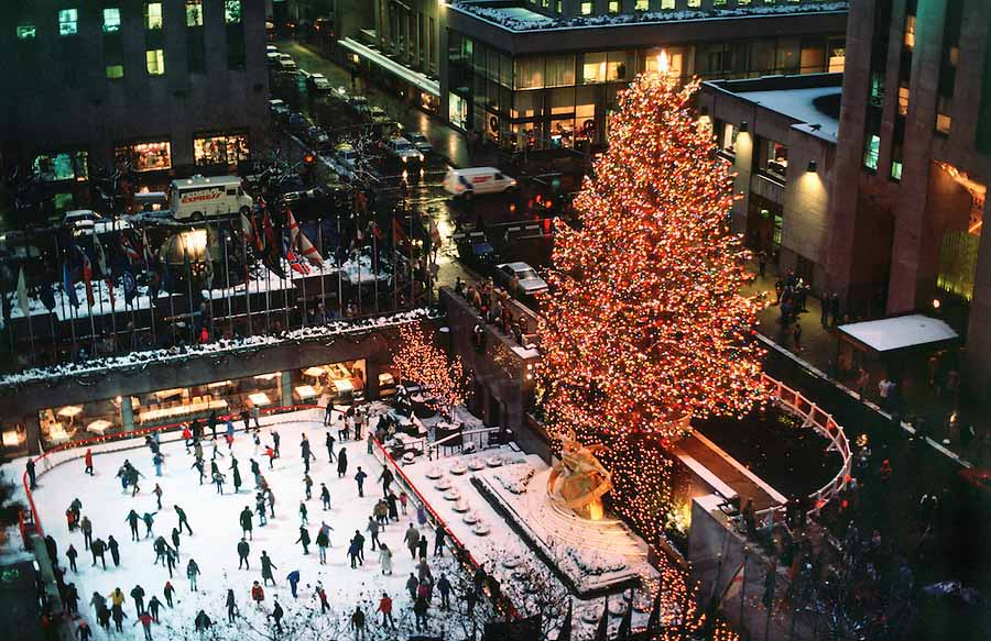 The most famous ice rink in the world is that of rockefeller center