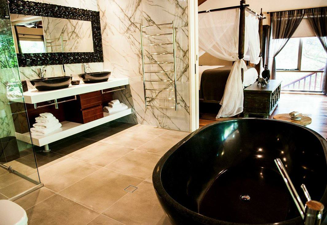 The Jamala Wildlife Lodge bathroom