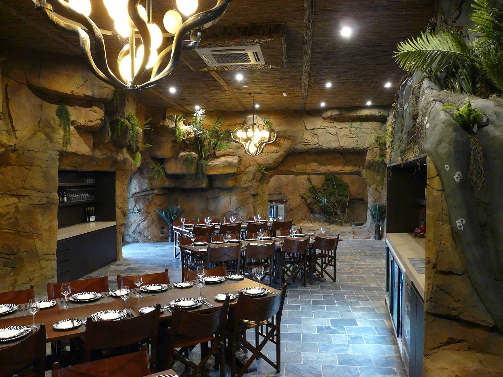 The Jamala Wildlife Lodge dining room