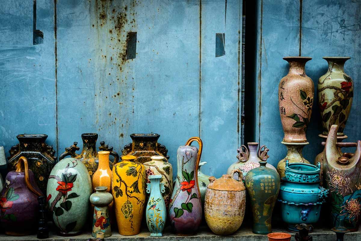 Panjiayuan market in Beijing antiques