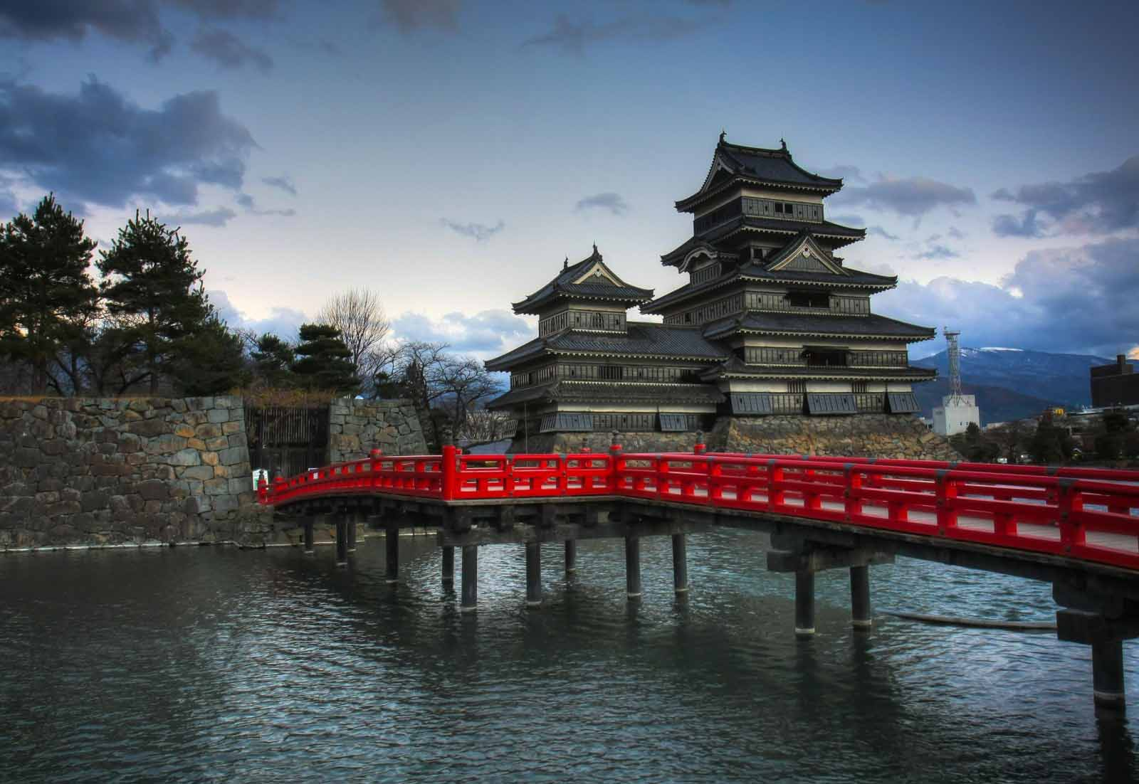 Matsumoto Castle Japan bridge