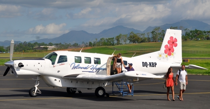 Plane in Fiji you can fly around the islands