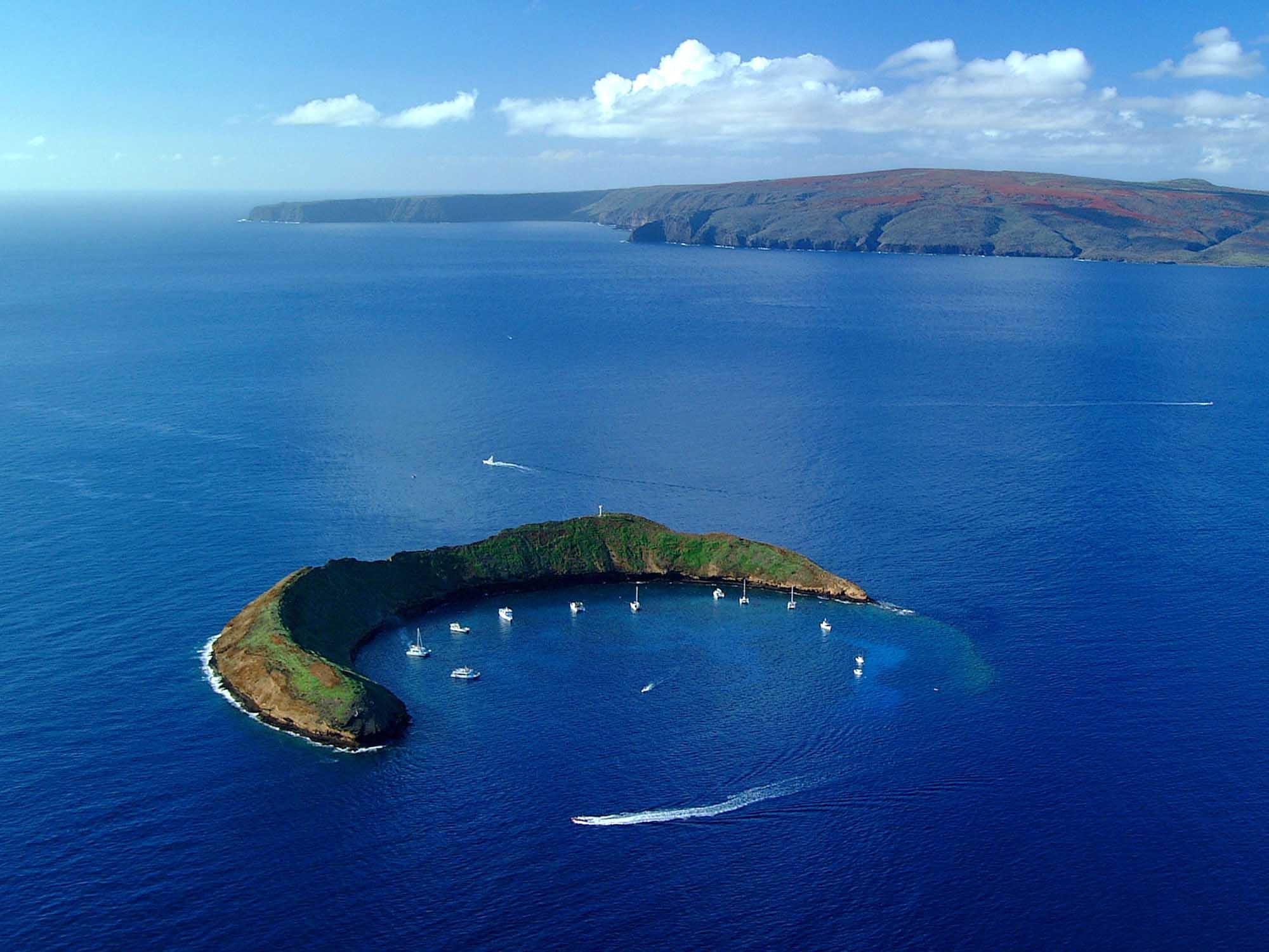 Maui, Hawaii boats on island ocean