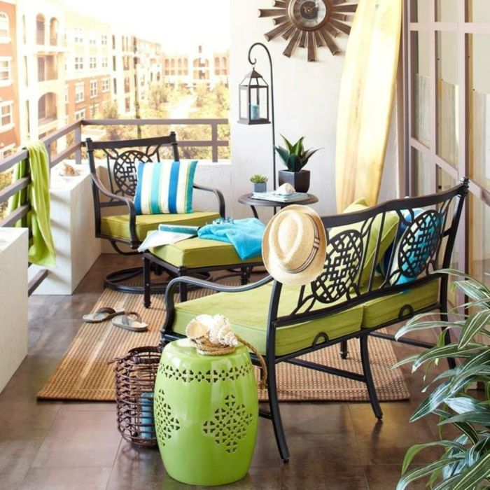 Balcony-Furniture-A-Couple-Of-Great-Examples-For-Relaxing-Moments