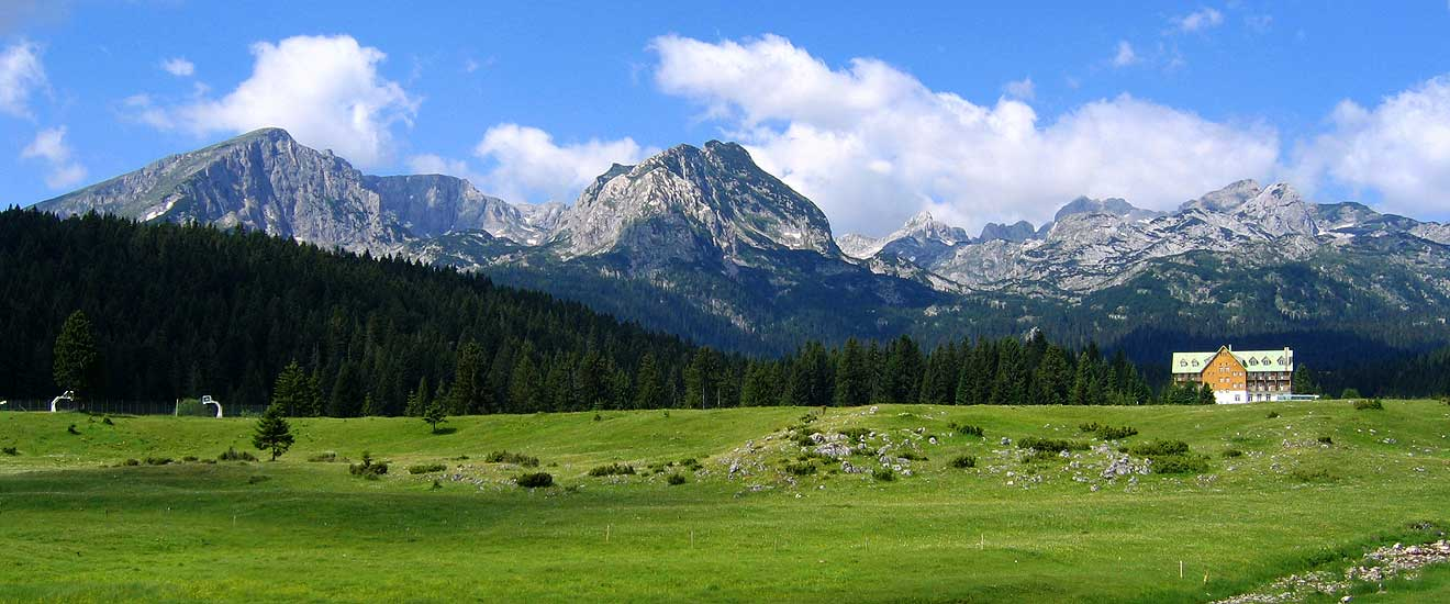 Durmitor-mountain-filled-with-water-2