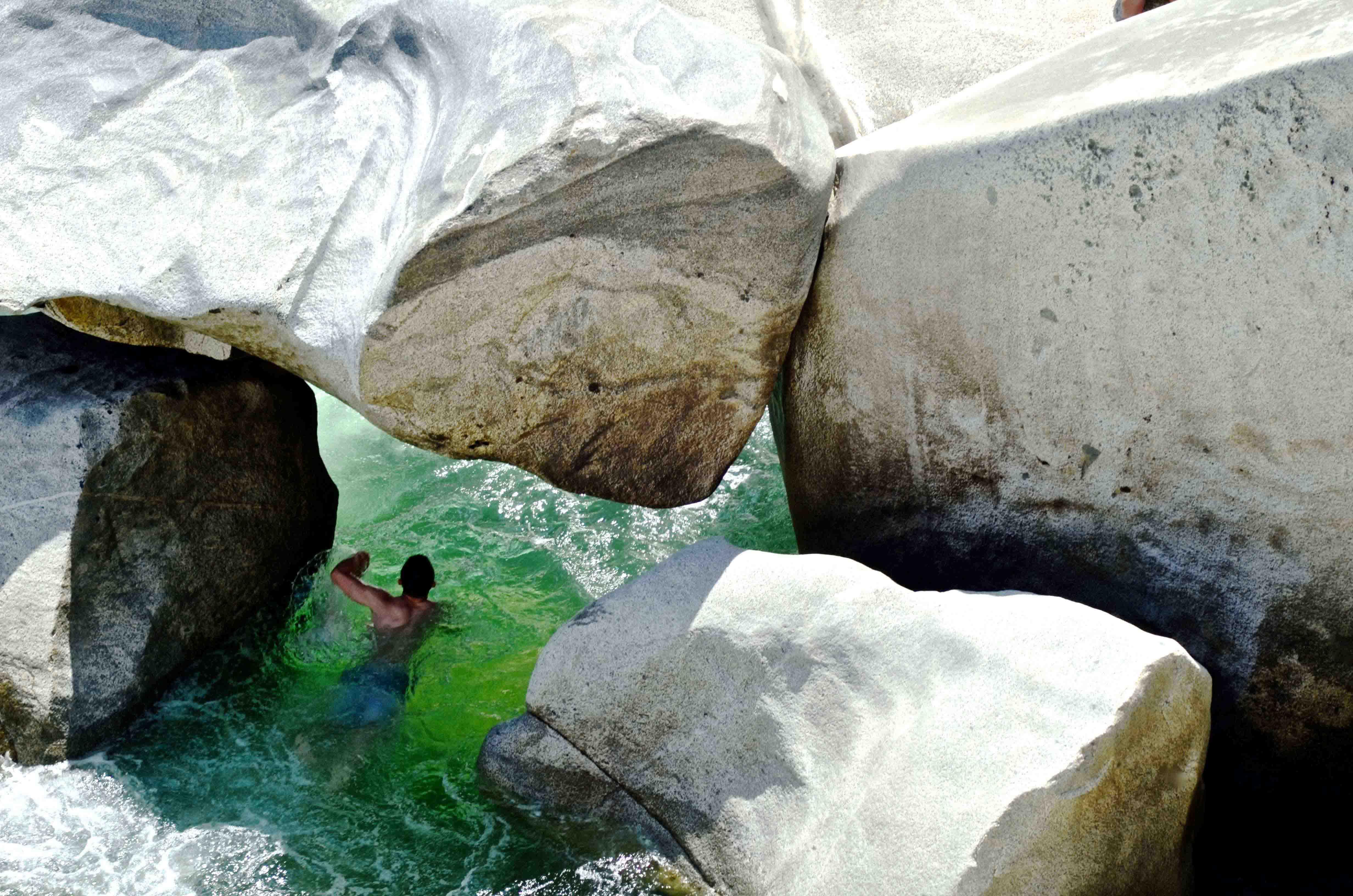 The-River-Yuba,-California-most-interesting-places-to-swim