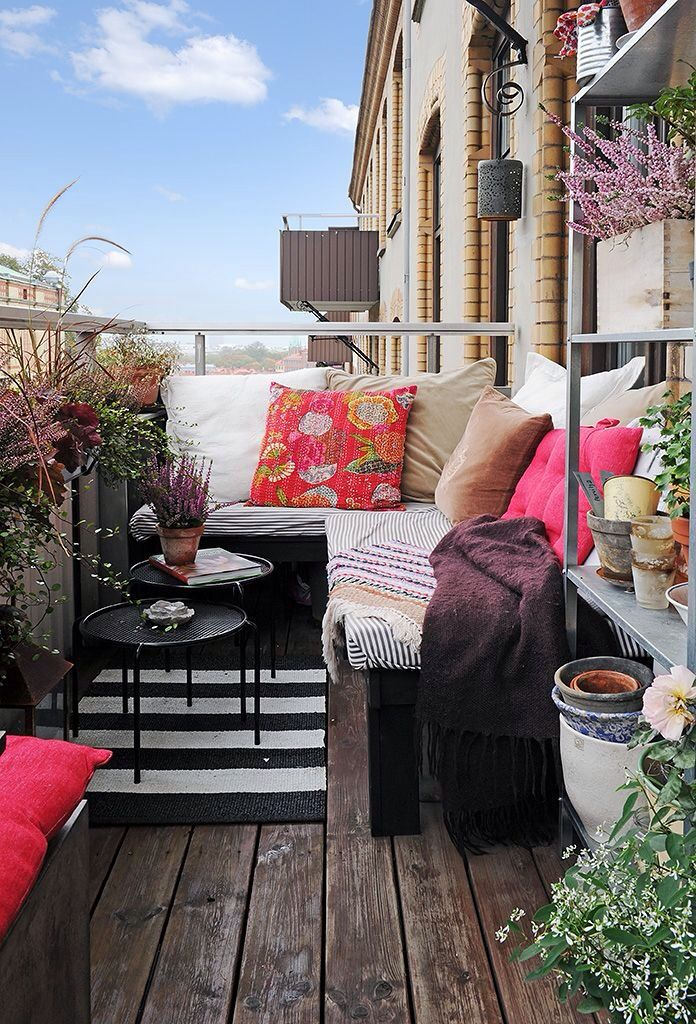 terrace decor with colorful pillows