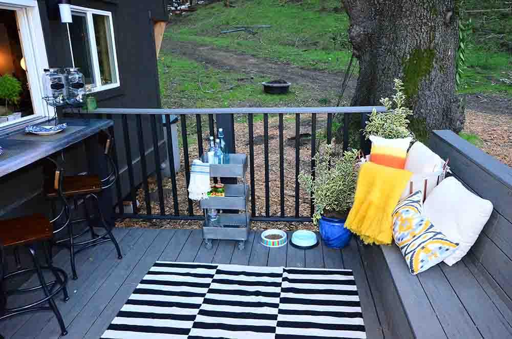mini front veranda