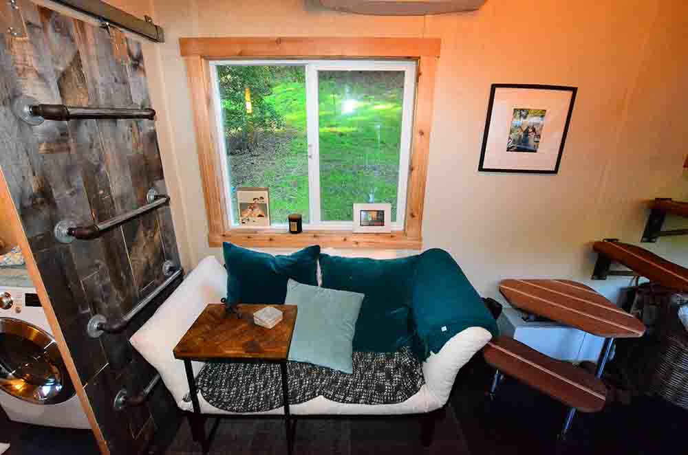 tiny house livingroom sofa window