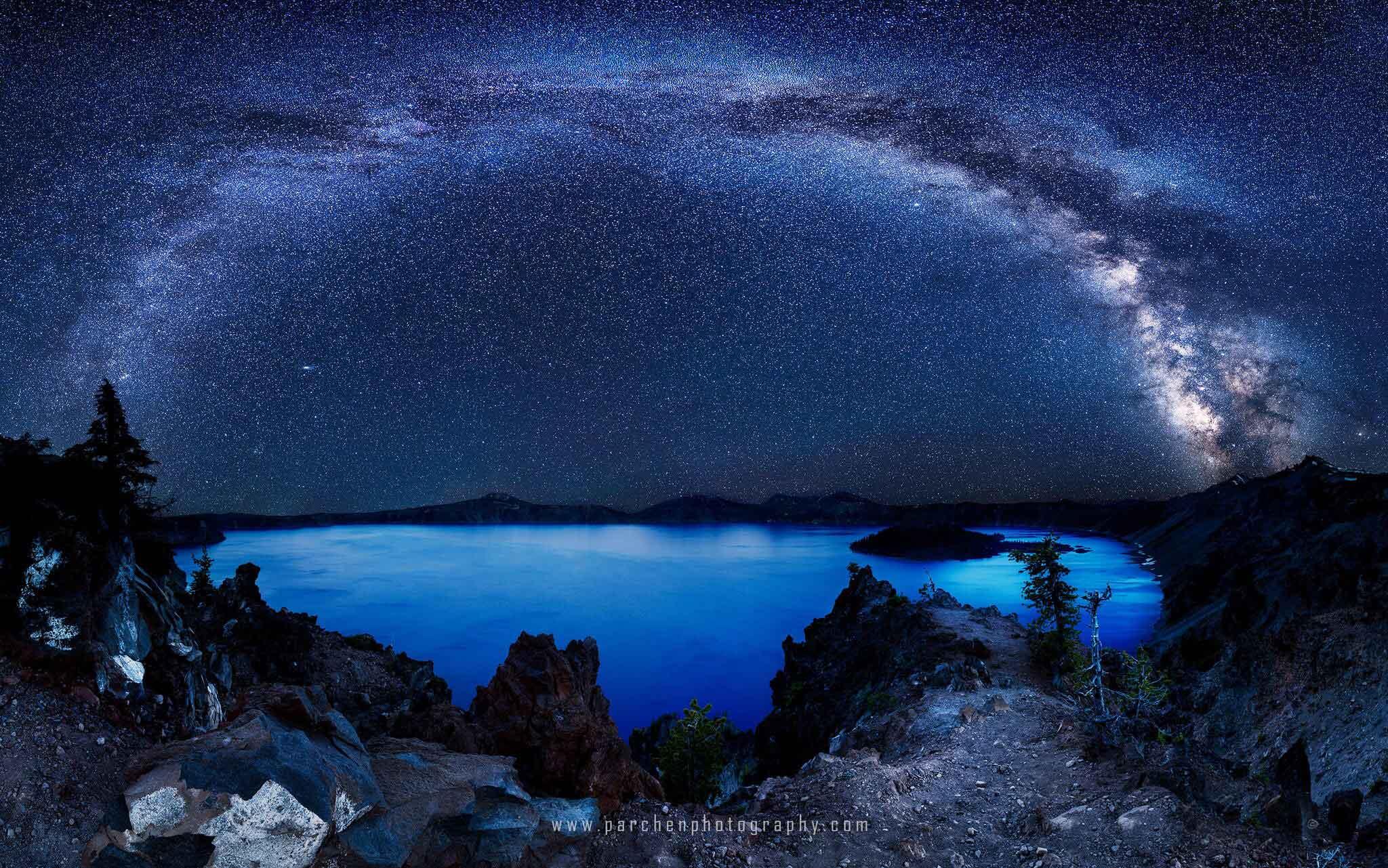 4-Crater-Lakes-In-America-Mazama-lake-in-Oregon,-United-States