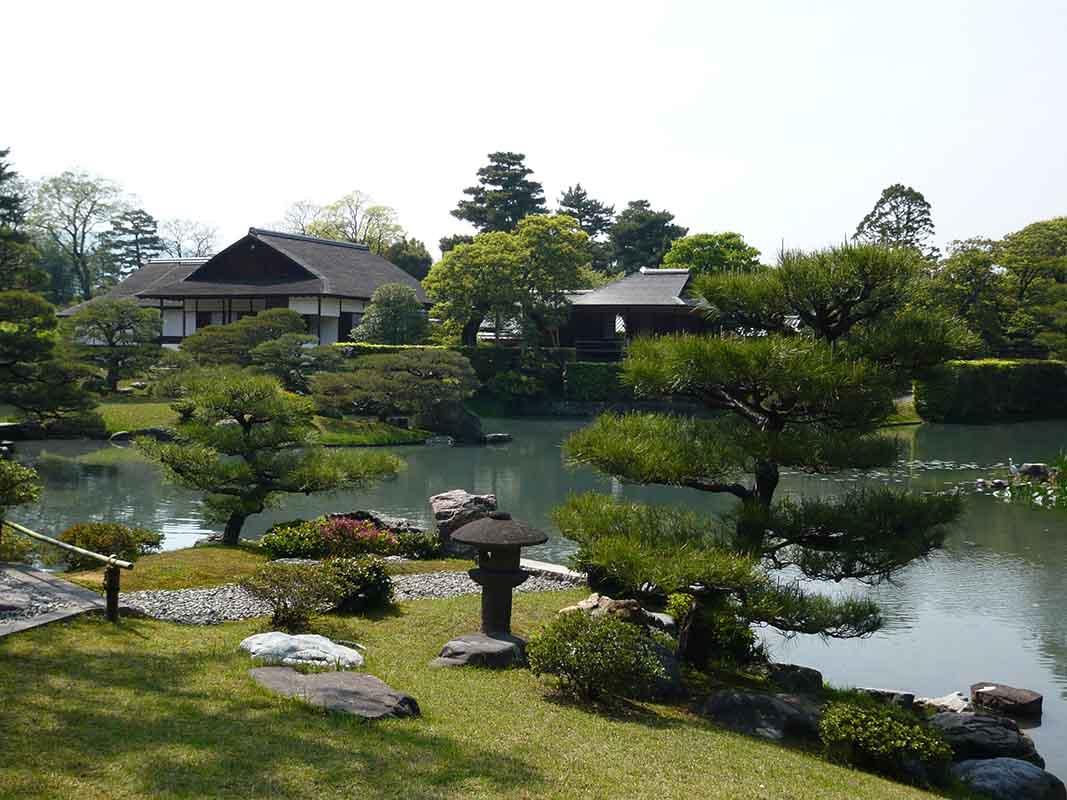 Katsura_Imperial_Villa_in_Spring The gardens of Katsura (Katsura Imperial Villa), Japan
