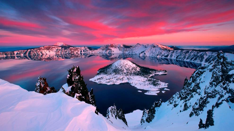 crater-lake-oregon at sunset