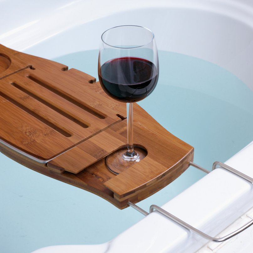 wooden-bath-wine-holder glass of red wine