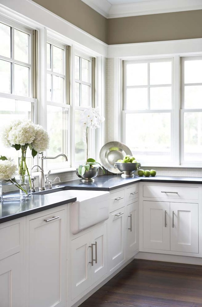 1-absolute-black-cooking-range-in-black-and-white-countertops-made-of-granite