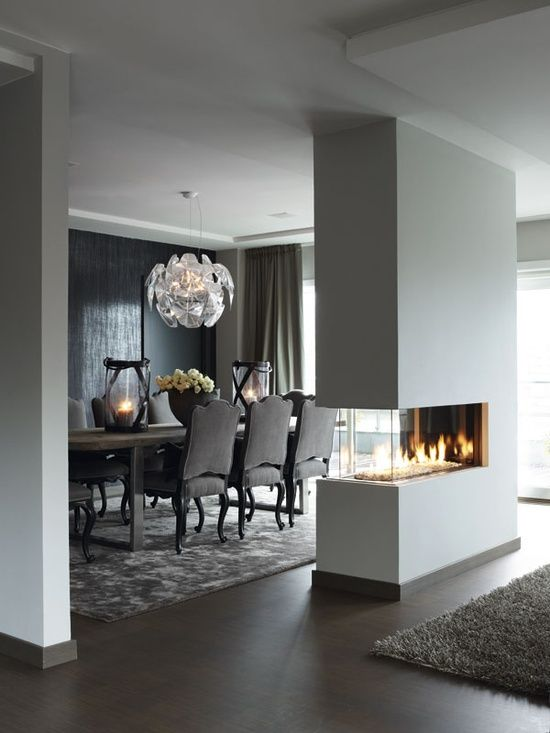 1 Accent Wall And Fireplace In The Dining