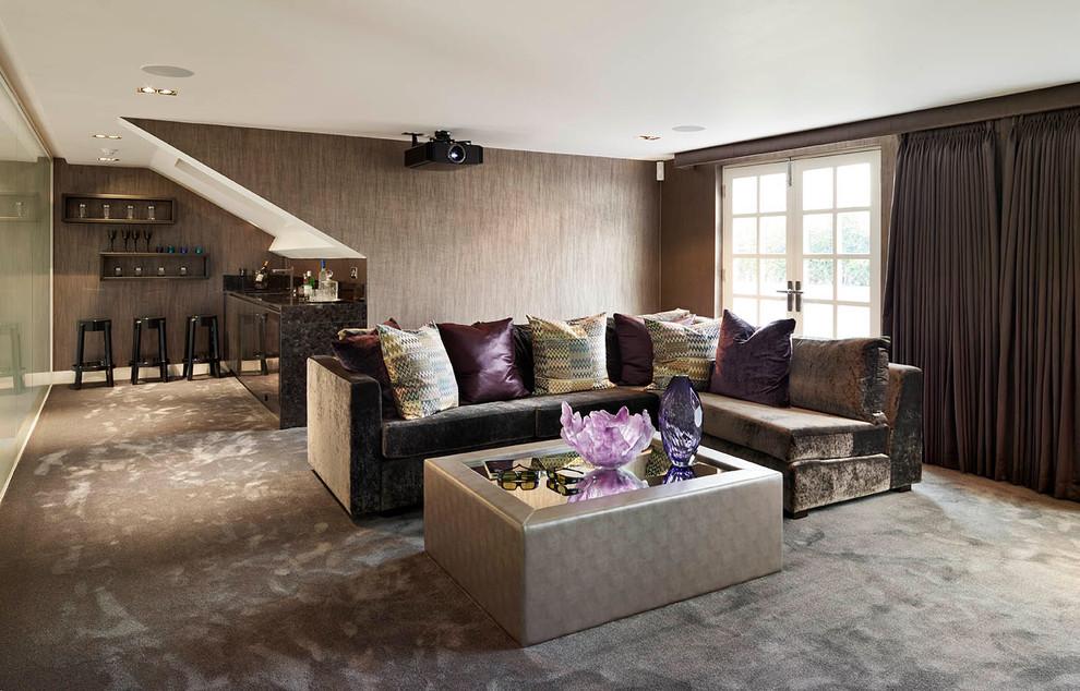 1-nuances-trendy-living-room-in-brown