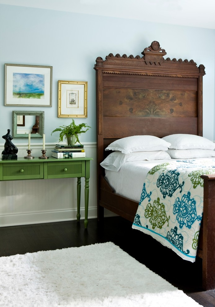 3-antique-bed-eclectic-design-bedroom