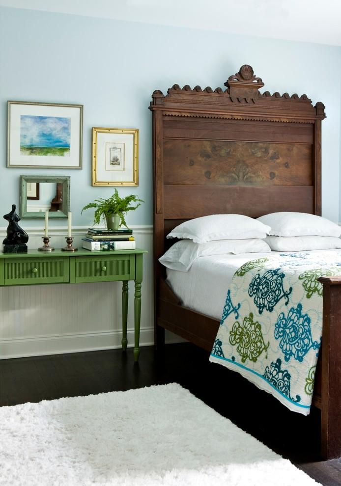 3-antique-bed-eclectic-design-bedroom