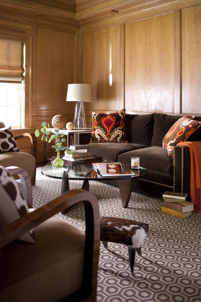 5-traditional-sofa-with-decorative-pillows-trendy-living-room-in-brown