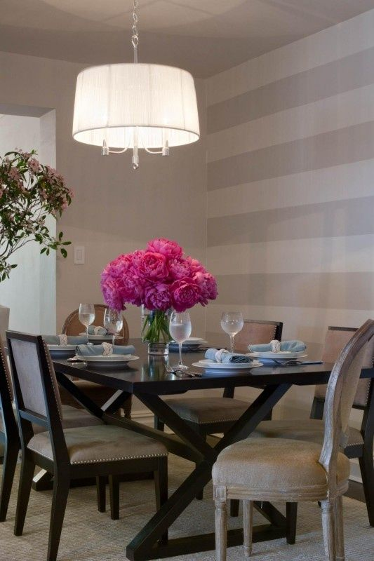 7-accent-wall-in-the-dining-room-in-white-and-grey-stripes-wall-decoration
