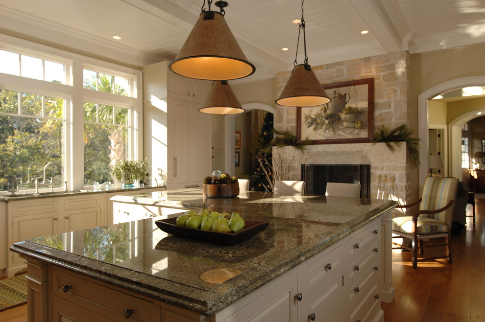 9-traditional-kitchen-countertops-made-of-granite