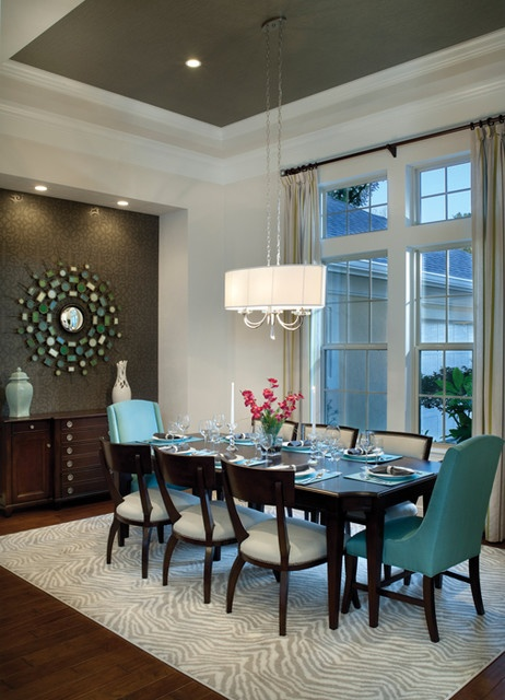 accent-wall-wall-mirror-and-chest-of-drawers-murals-in-the-dining-room