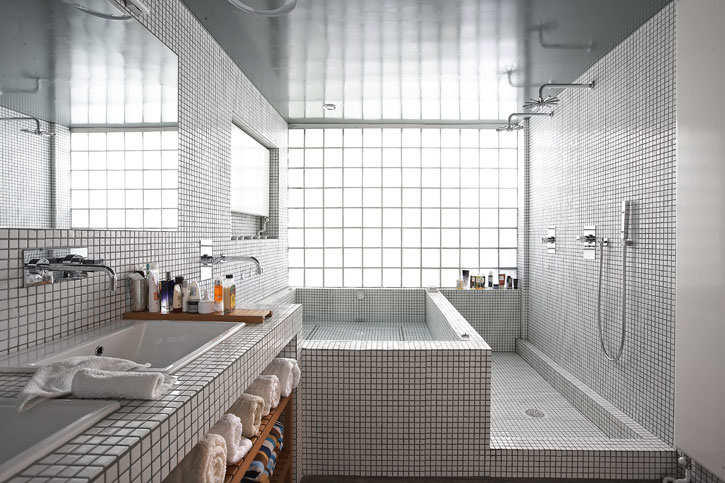 bathroom-tiles-modern-transformation-of-the-garage