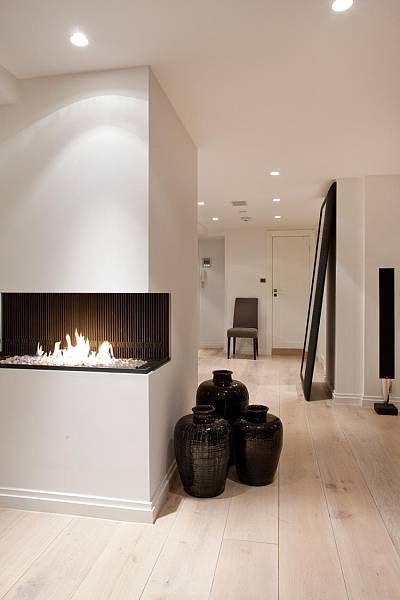 black-ground-vases-decorative-floor-vases-in-contemporary-design