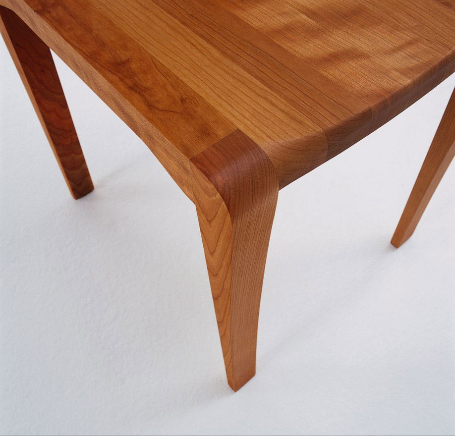 cherry-table-in-the-detail-wood-table