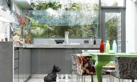 concrete-floor-kitchen-glass-wall-renovation-transformation-of-the-garage