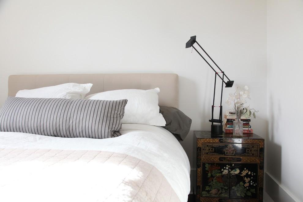 cozy-little-bedroom-eclectic-apartment-vintage-rustic