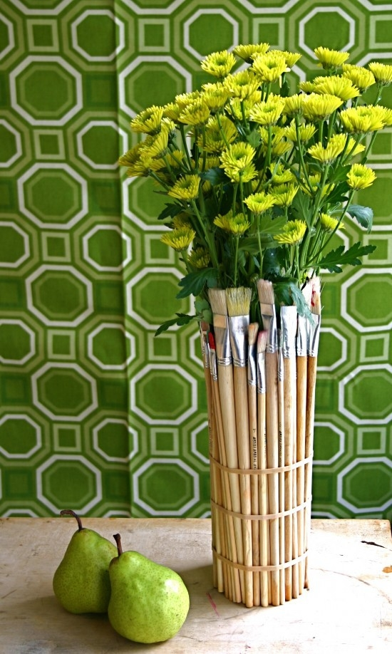 diy-from-brushes-modern-vases-diy-ideas