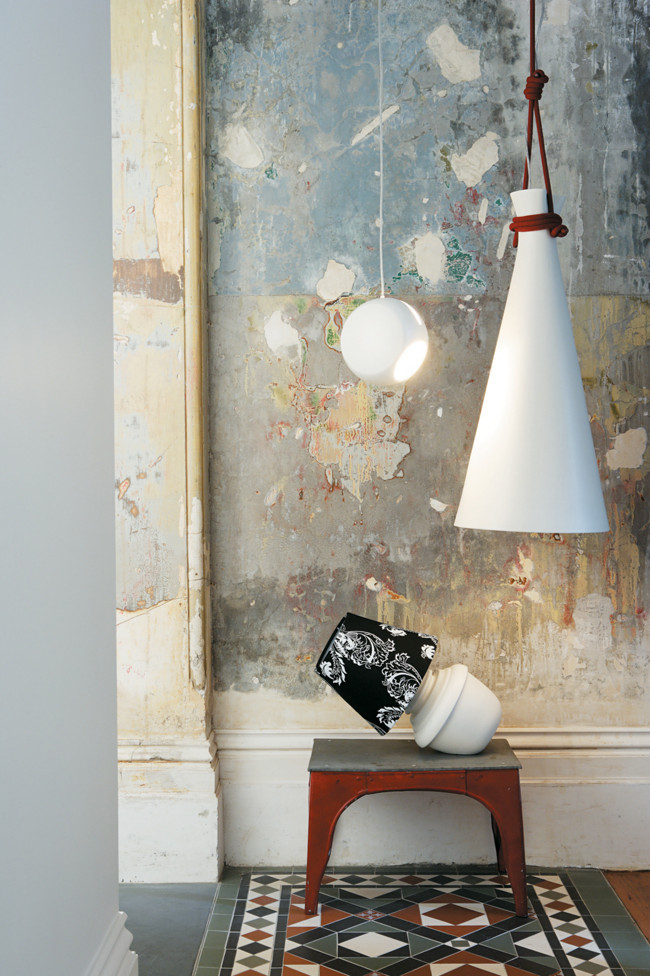 decorative-pendant-lights-decorated-with-industrial-furniture