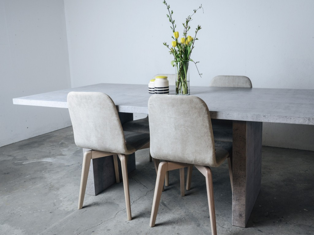 dining-table-dining-table-chairs-wood-decorative-vase-flowers-modern-decoration-from-concrete
