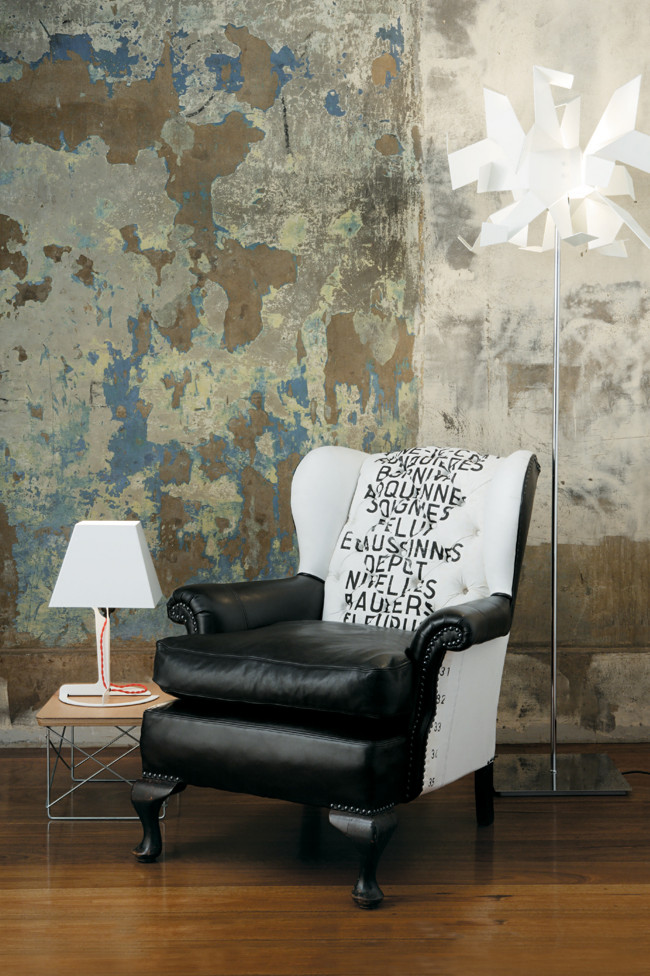 eccentric-leather-chair-decorated-with-industrial-furniture