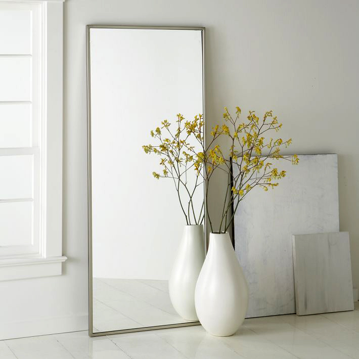 facility-in-white-decorative-floor-vases-in-contemporary-design