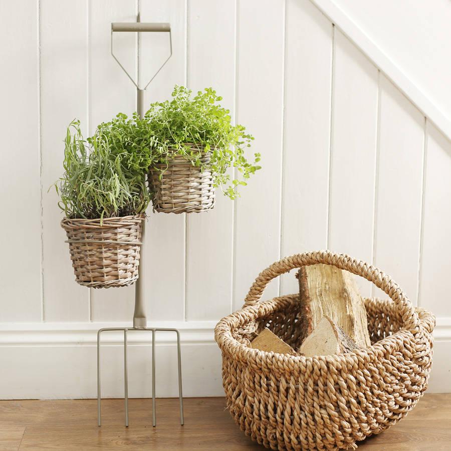 garden-fork-decoration-decoration-herbs-wicker-basket-planter