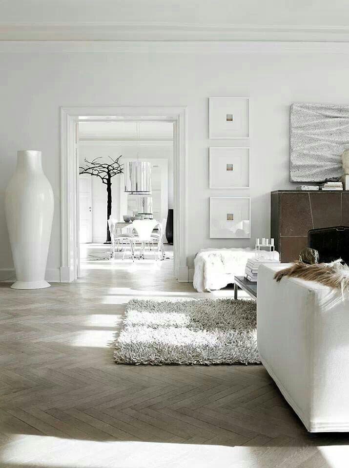 high-floor-vase-white-ceramic-for-the-living-room-decorative-floor-vases-in-contemporary-design