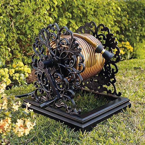 hose-reel-from-aluminium-garden-ornaments